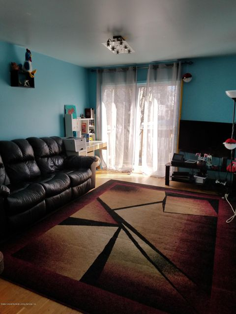 Single Family - Semi-Attached 197 Giffords Lane  Staten Island, NY 10308, MLS-1109655-3
