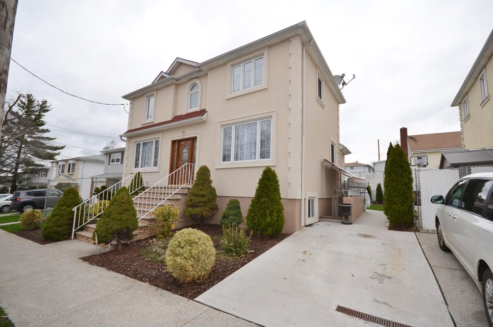 Single Family - Detached 505 Mountainview Avenue  Staten Island, NY 10314, MLS-1109667-3