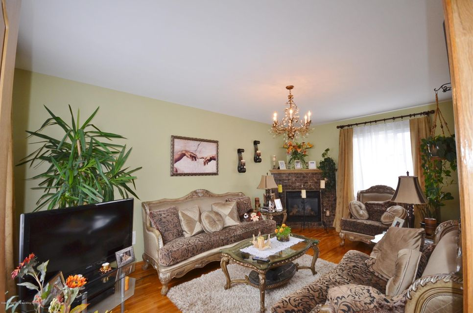 Single Family - Detached 505 Mountainview Avenue  Staten Island, NY 10314, MLS-1109667-7