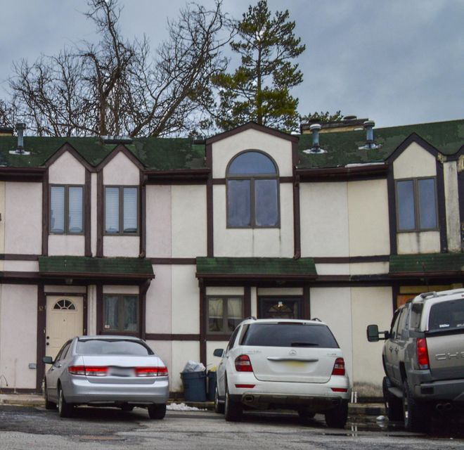 Single Family Home for Sale at 30 Stone Crest Staten Island, New York 10308 United States