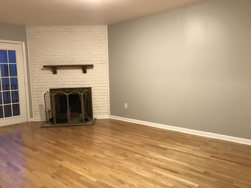 Additional photo for property listing at 40 Victoria Road  Staten Island, New York 10312 United States