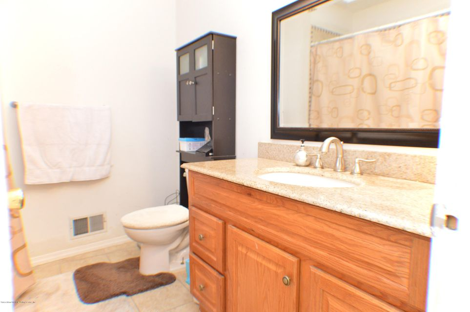 Additional photo for property listing at 30 Stone Crest  Staten Island, New York 10308 United States