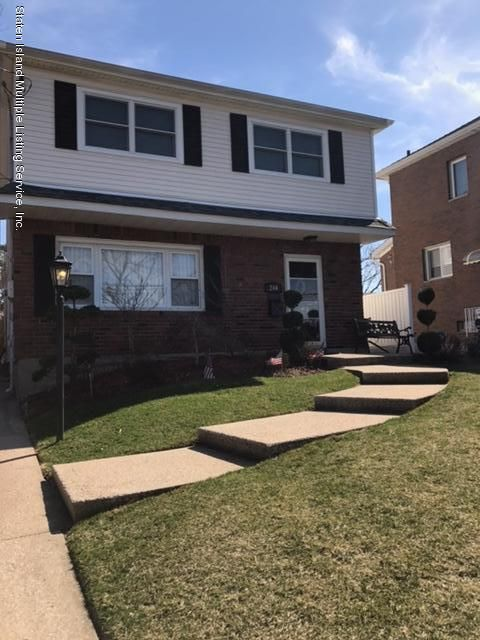 Single Family - Detached in Richmond Town - 244 Ardsley Street  Staten Island, NY 10306