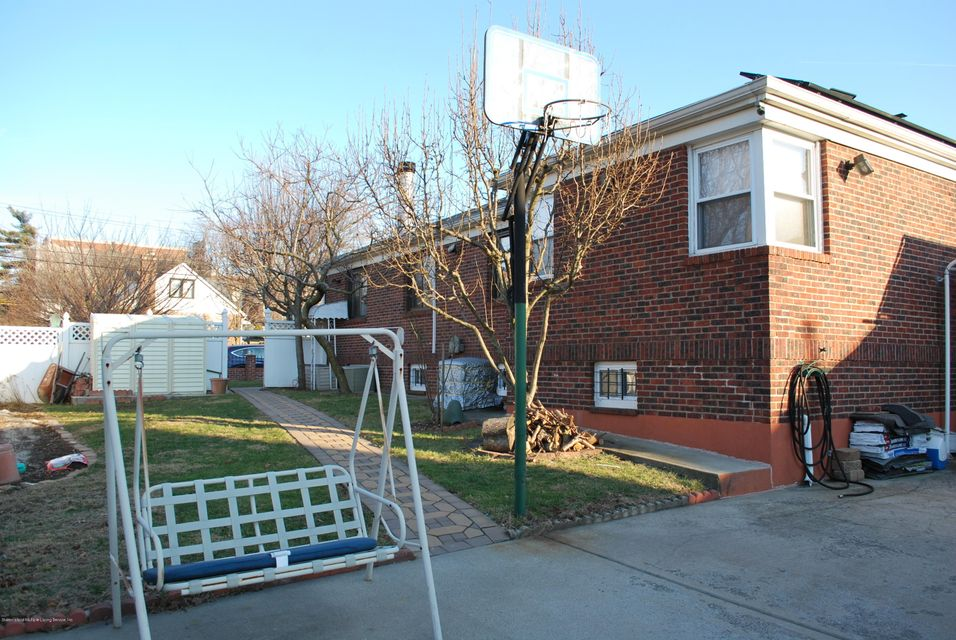 Additional photo for property listing at 562 Pelton Avenue  Staten Island, New York 10310 United States