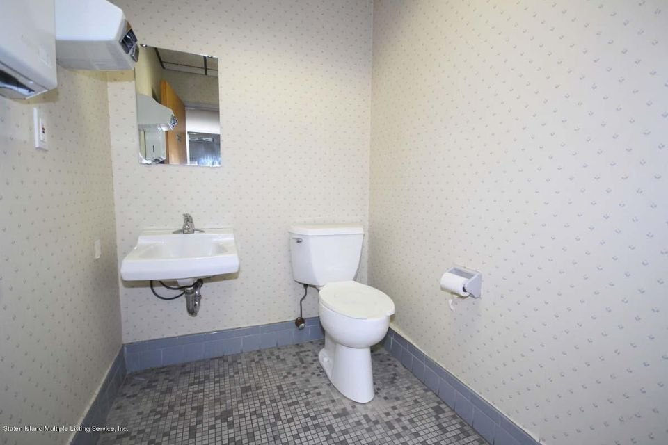 Additional photo for property listing at 2177 Victory Boulevard  Staten Island, New York 10314 United States