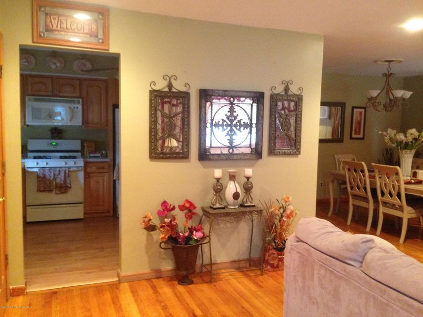 Single Family - Detached 111 Ebbitts Street  Staten Island, NY 10306, MLS-1109878-5