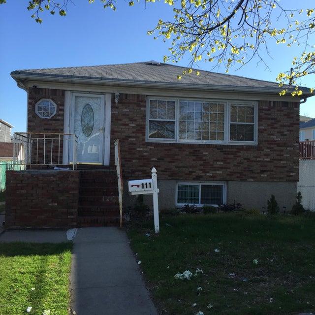 Single Family - Detached 111 Ebbitts Street  Staten Island, NY 10306, MLS-1109878-2