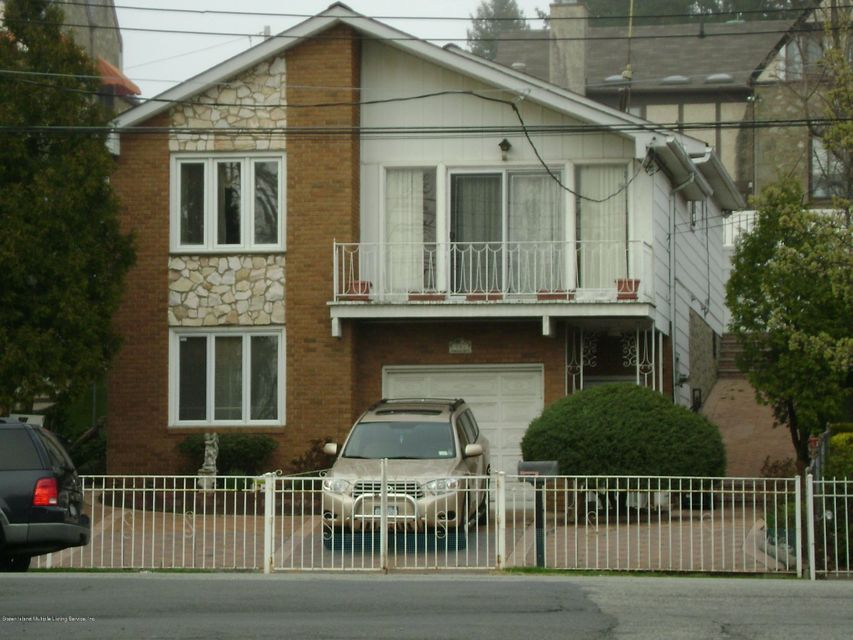 Single Family - Detached in Grasmere - 991 Hylan Boulevard  Staten Island, NY 10304