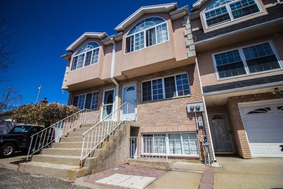 Two Family - Attached in New Dorp - 305 Tysens Lane B  Staten Island, NY 10306