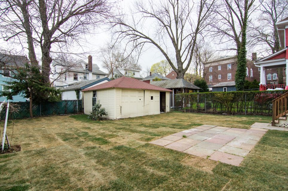 Additional photo for property listing at 271 Bement Avenue  Staten Island, New York 10310 United States