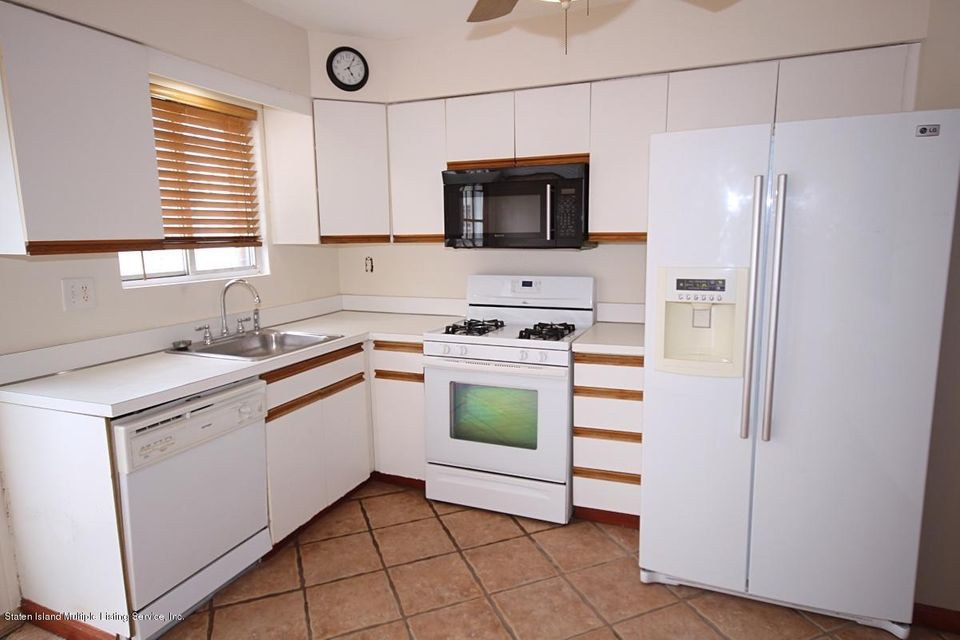 Single Family - Attached 131 St Johns Avenue  Staten Island, NY 10305, MLS-1109937-8