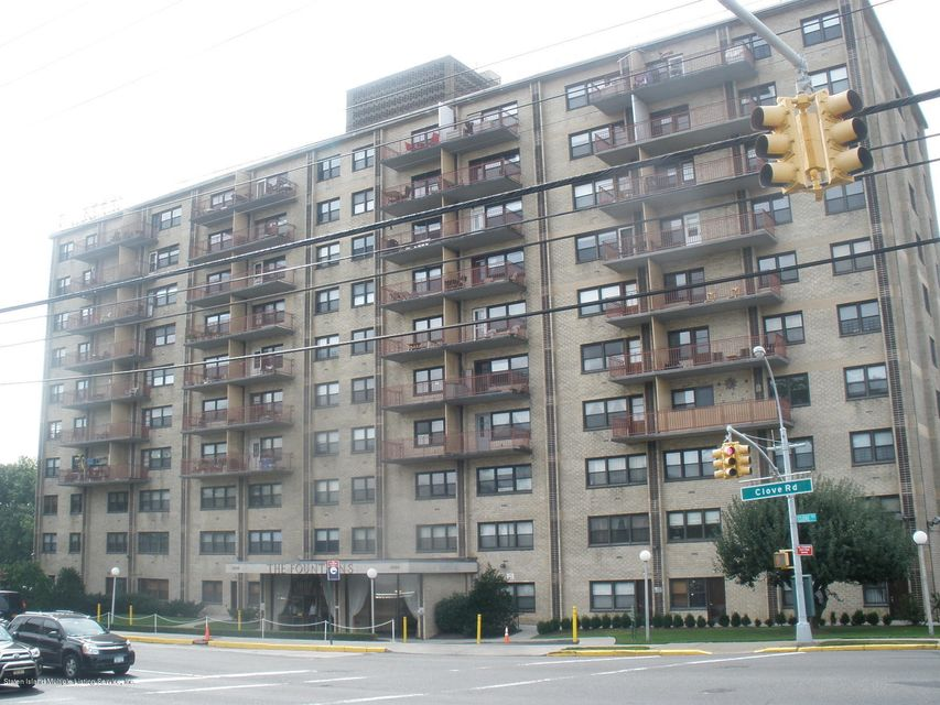 Co-Op in Clove Lake - 1000 Clove Road 9e  Staten Island, NY 10301