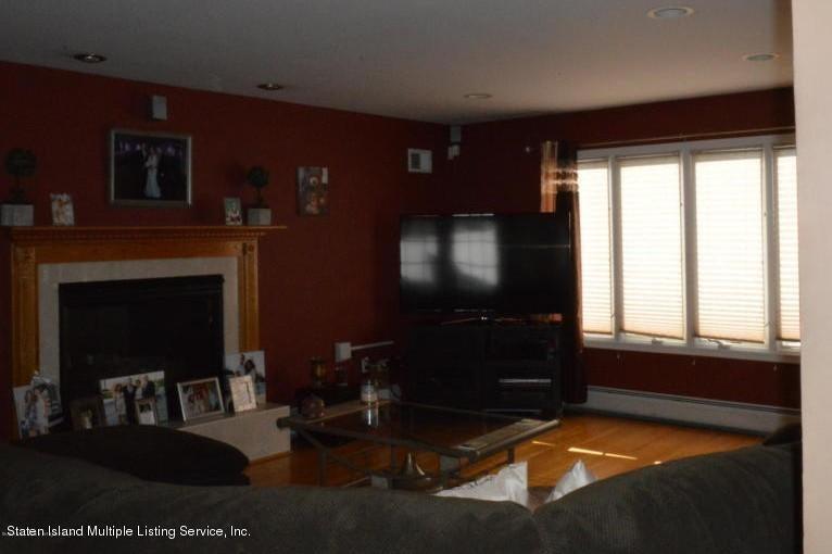 Single Family - Detached 87 Glendale Avenue  Staten Island, NY 10304, MLS-1109318-11