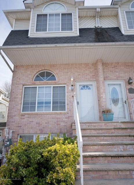 108 Darnell Lane, Staten Island, NY 10309