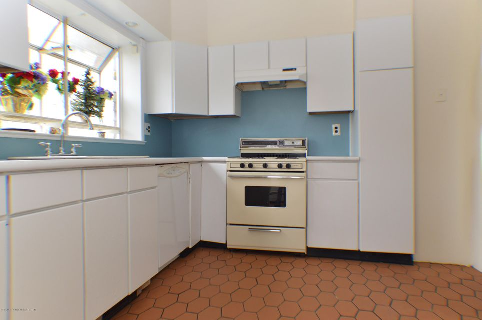 Single Family - Detached 110 Perry Avenue  Staten Island, NY 10314, MLS-1109989-13