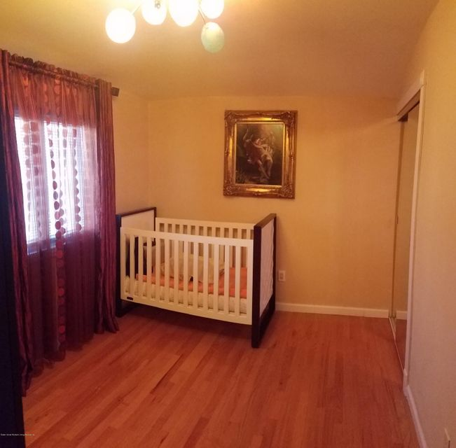 Additional photo for property listing at 365 Abingdon Avenue  Staten Island, New York 10308 United States