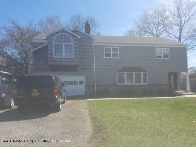 Single Family Home for Sale at 121 Seaman Avenue Freeport, New York 11520 United States