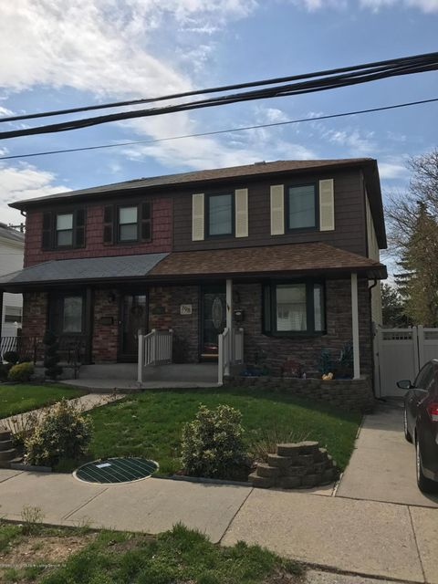 Single Family Home for Sale at 798 Armstrong Avenue Staten Island, New York 10308 United States