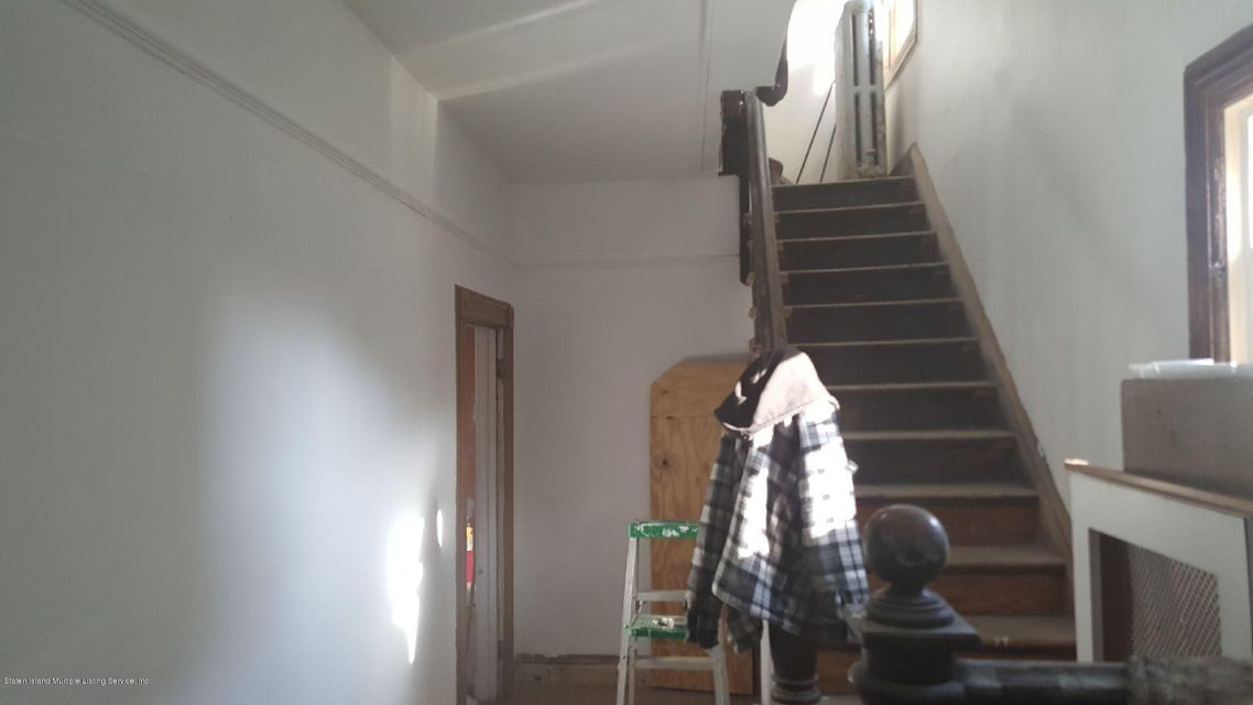 Additional photo for property listing at 149 Fillmore Street  Staten Island, New York 10301 United States