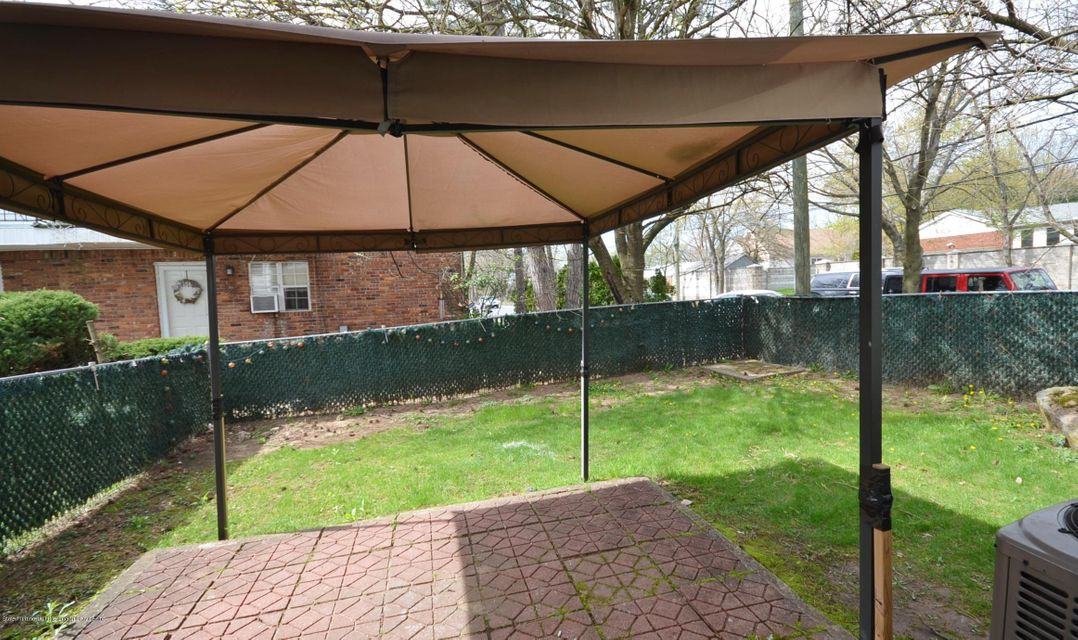Additional photo for property listing at 1630 Forest Hill Road  Staten Island, New York 10314 United States