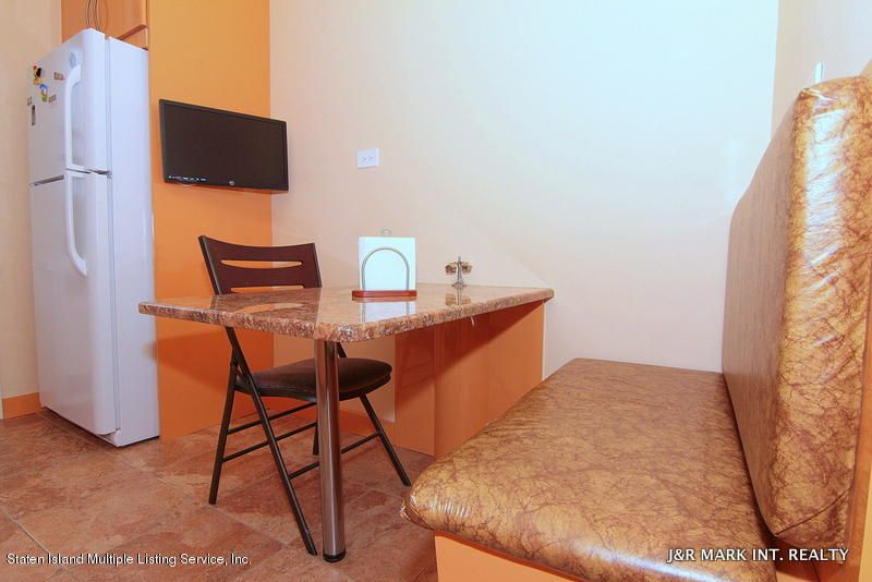 Additional photo for property listing at 140 2nd Street  Brooklyn, New York 11218 United States