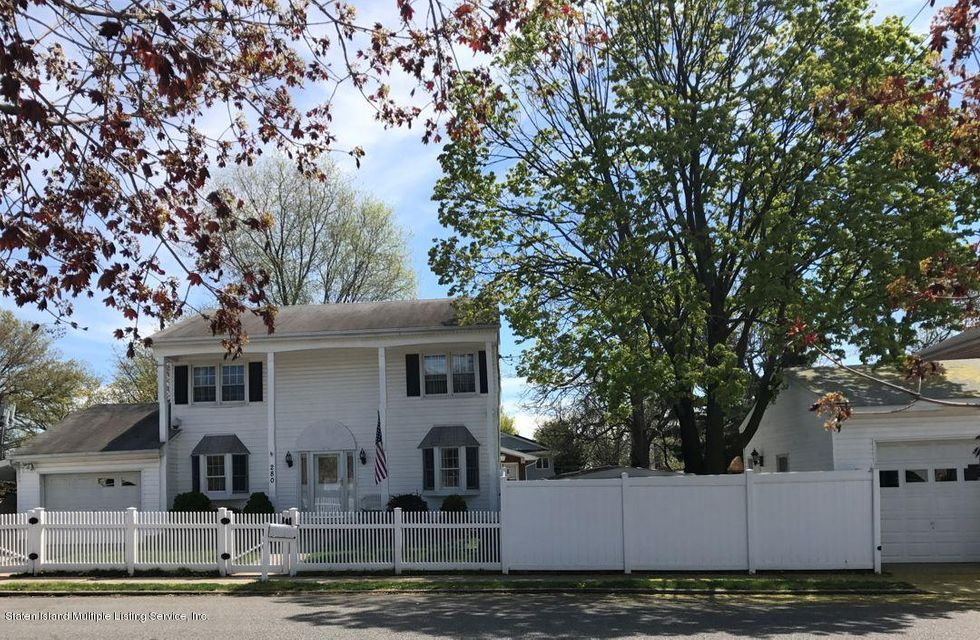 Single Family - Detached in S.E. Annadale - 280 Crown Avenue  Staten Island, NY 10312