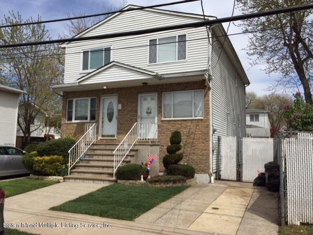 Single Family Home for Sale at 11 Dalton Avenue Staten Island, New York 10306 United States