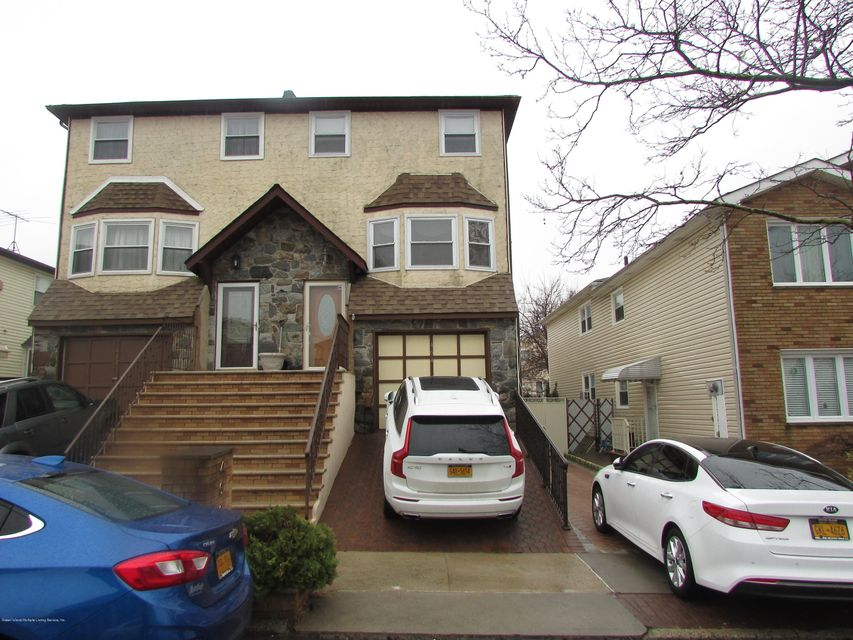 Single Family Home for Rent at 464 Klondike Avenue Staten Island, New York 10314 United States