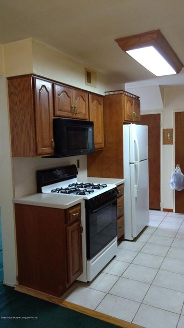 Additional photo for property listing at 465 Willow Road  Staten Island, New York 10314 United States