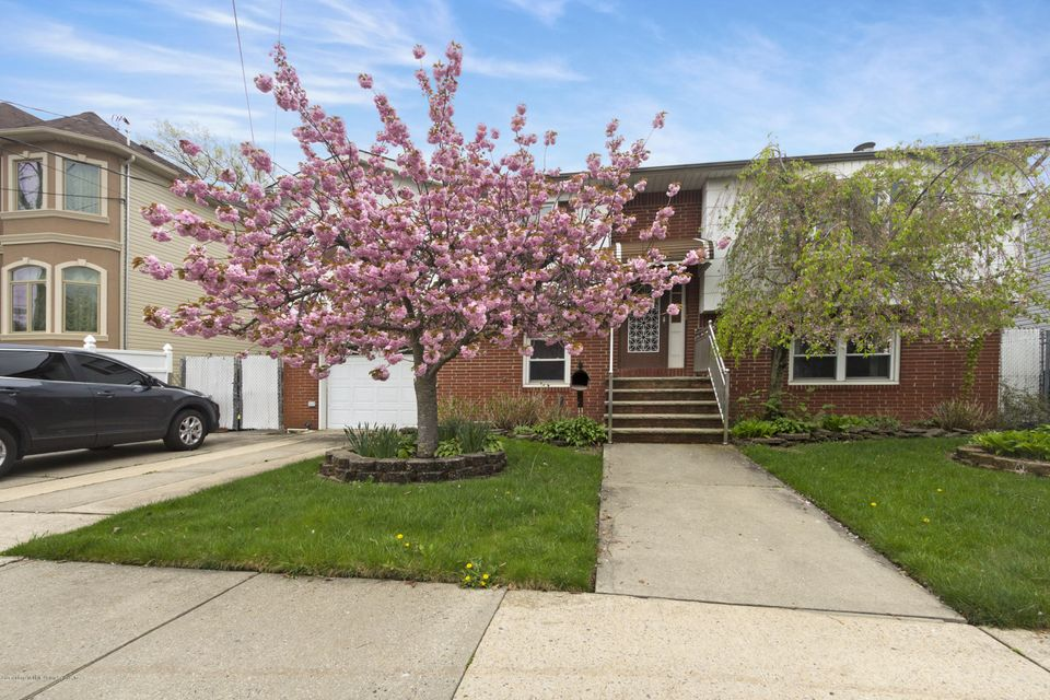 Single Family Home for Sale at 112 Elmbank Street Staten Island, New York 10312 United States