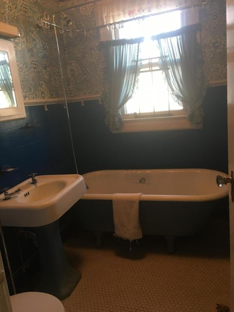 Additional photo for property listing at 6 Station Avenue  Staten Island, New York 10309 United States