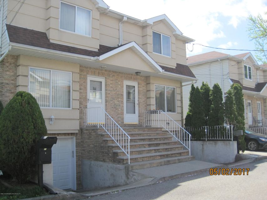 Single Family Home for Sale at 29 Stacey Lane Staten Island, New York 10306 United States