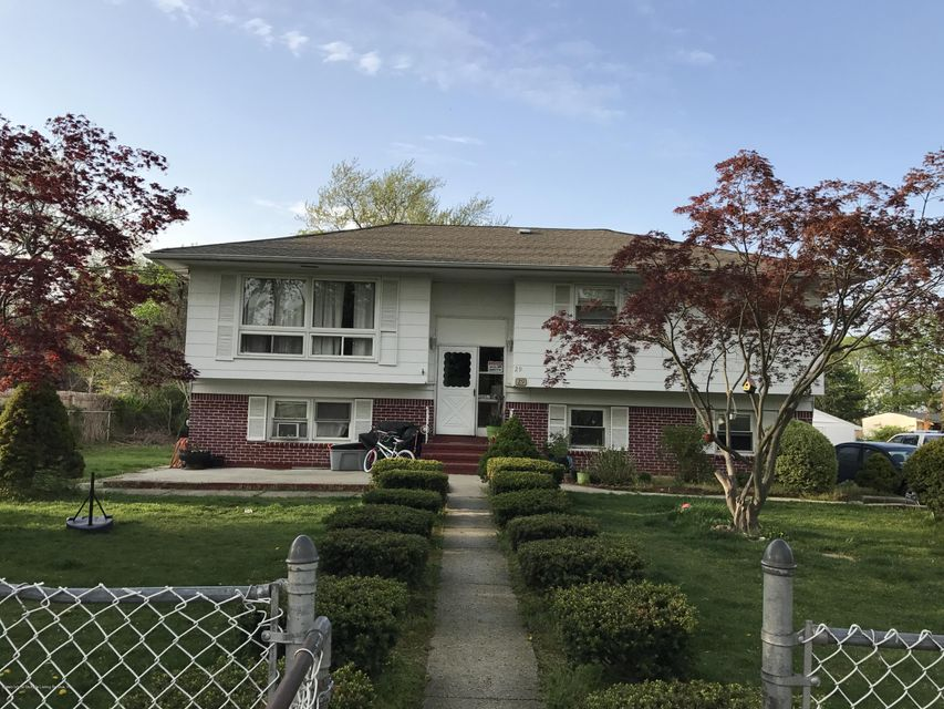 Single Family Home for Sale at 29 Farrington Avenue Bay Shore, New York 11706 United States