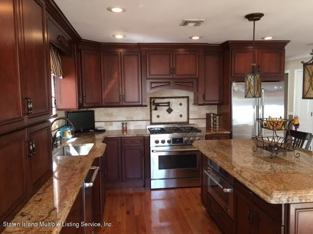 Single Family - Detached 1068 Sinclair Avenue  Staten Island, NY 10309, MLS-1110593-14