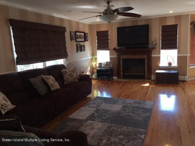 Single Family - Detached 1068 Sinclair Avenue  Staten Island, NY 10309, MLS-1110593-19