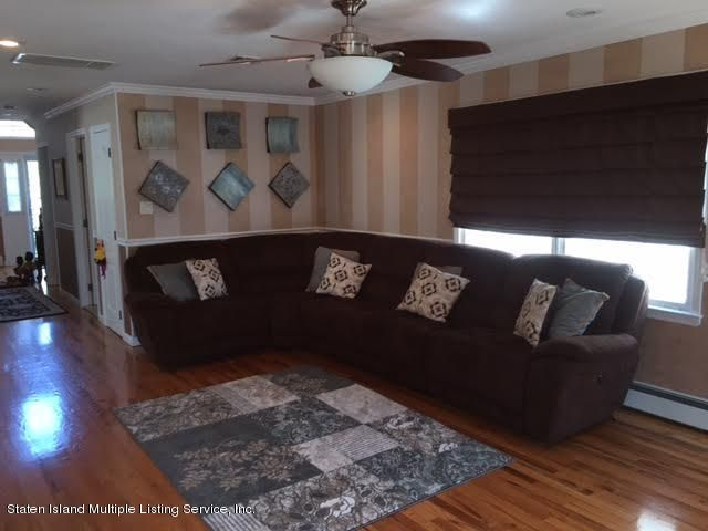 Single Family - Detached 1068 Sinclair Avenue  Staten Island, NY 10309, MLS-1110593-20