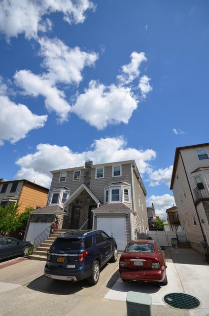 Single Family - Semi-Attached 179 Mcveigh Avenue  Staten Island, NY 10314, MLS-1110454-3
