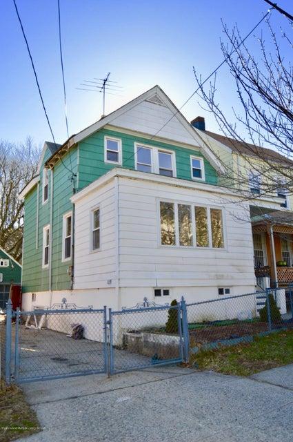 22 Pleasant Valley Avenue, Staten Island, NY 10304