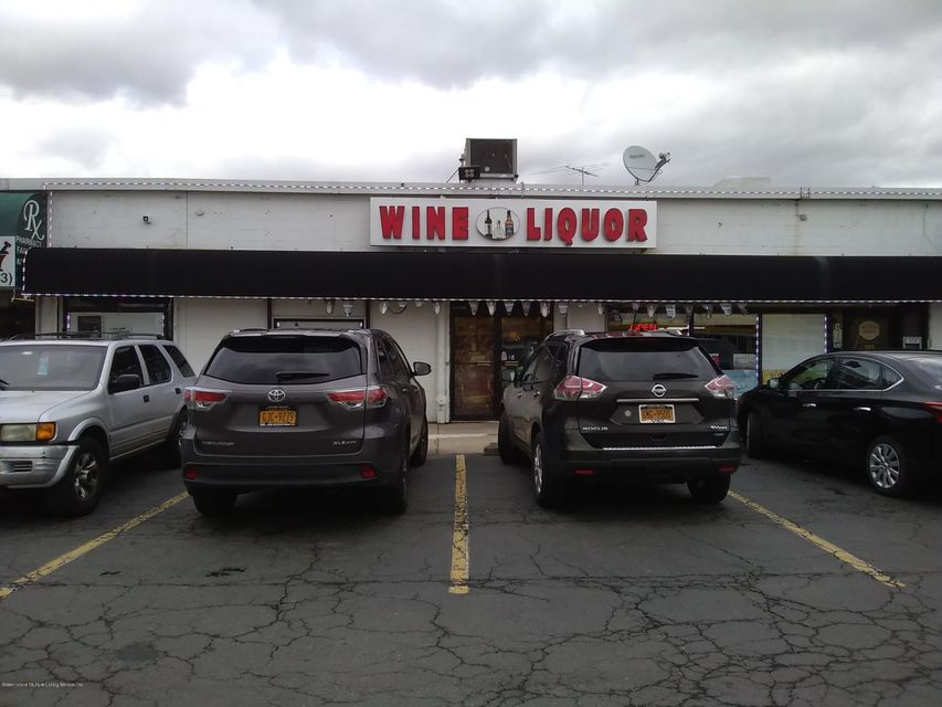 Commercial for Rent at 3555 Victory Boulevard Staten Island, New York 10314 United States
