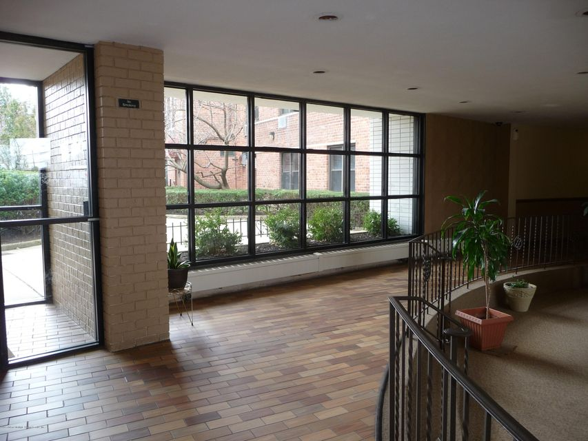 Additional photo for property listing at 100 Colfax Avenue  Staten Island, New York 10306 United States