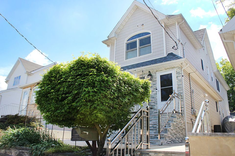 Additional photo for property listing at 24 Presley Street  Staten Island, New York 10308 United States