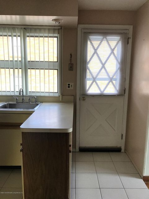 Additional photo for property listing at 135 Darlington Avenue  Staten Island, New York 10312 United States