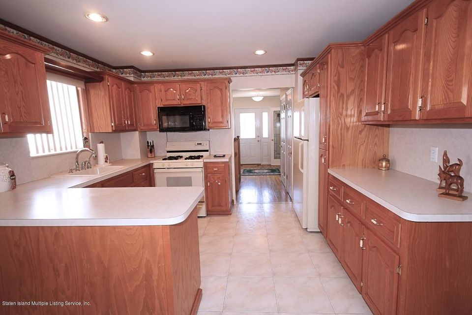 Single Family - Detached 102 Honey Lane  Staten Island, NY 10307, MLS-1110642-10
