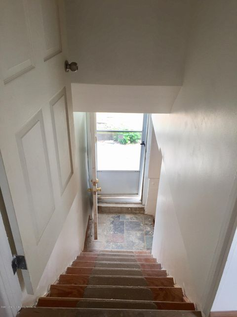 Additional photo for property listing at 115 Winham Avenue  Staten Island, New York 10306 United States