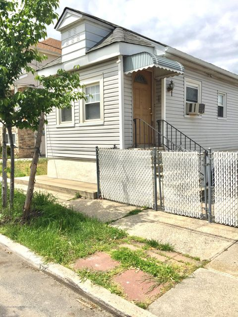 Single Family Home for Sale at 115 Winham Avenue Staten Island, New York 10306 United States