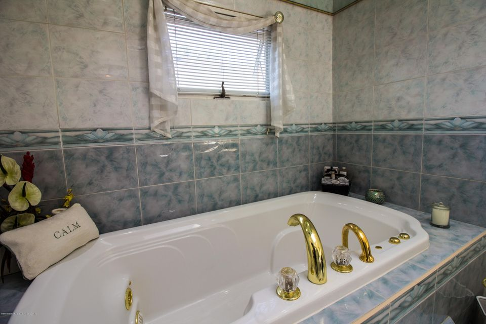 Two Family - Detached 379 Main Street  Staten Island, NY 10307, MLS-1110714-30