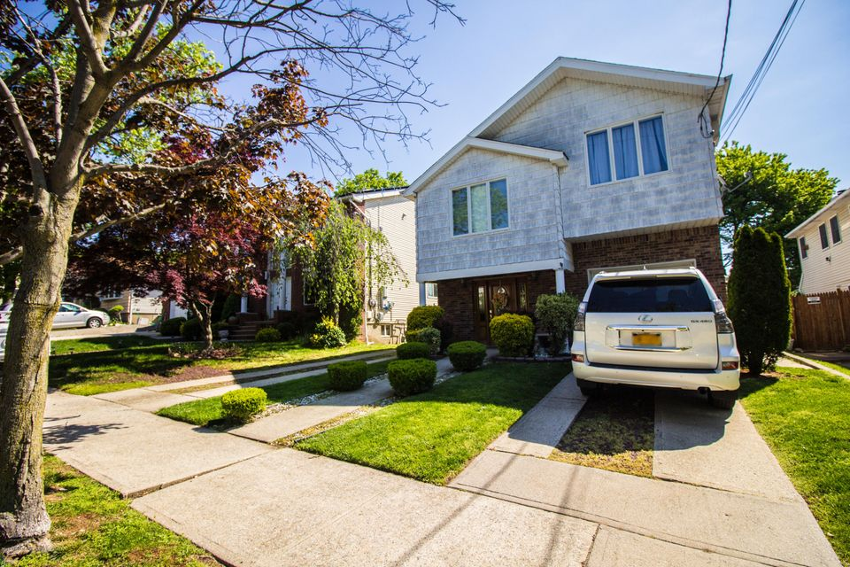 Two Family - Detached 379 Main Street  Staten Island, NY 10307, MLS-1110714-2