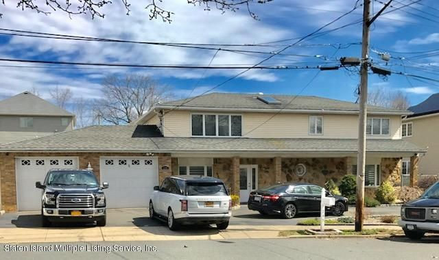 Single Family - Detached in Tottenville - 245 Brehaut Avenue  Staten Island, NY 10307
