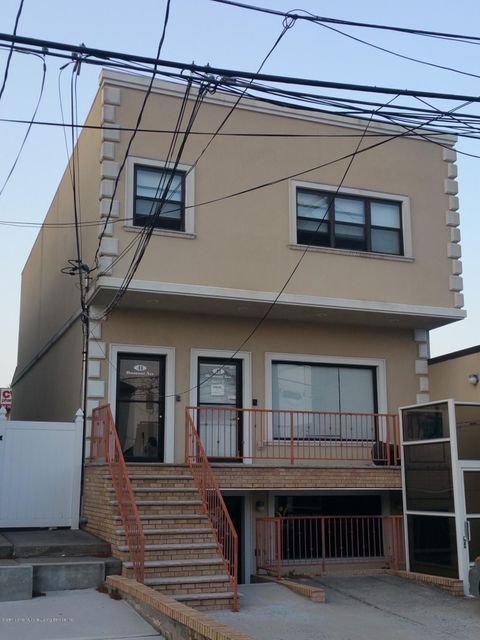 Commercial for Rent at 41 Dumont Avenue Staten Island, New York 10305 United States