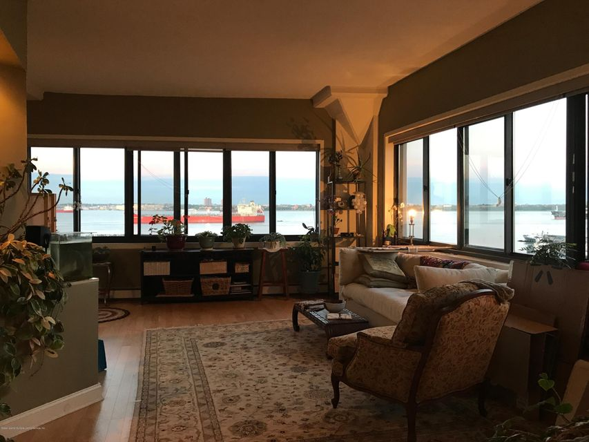 Additional photo for property listing at 10 Bay Street Landing  Staten Island, New York 10301 United States